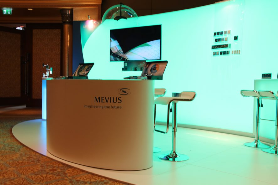 Mevius booth with dome speaker